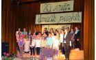 Starejši otroški pevski zbor OŠ Vransko-Tabor pod vodstvom Vanje Govek