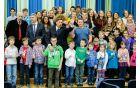 Šolarji so za predsednika in druge navzoče pripravili izjemno proslavo.