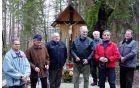 Ekipa zaslužnih za prenovo razpela na Počivalniku