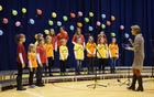 Otroški pevski zbor KRAS pod vodstvom Mojce Ivanc