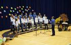 Mladinski pevski zbor Kras pod vodstvom Pavla Pahorja