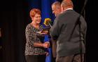 Priznanje Občine Kobarid za leto 2016 je iz rok župana prejela Helena Uršič.