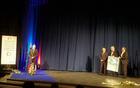 Ob tej priložnosti so se Posoški župani zahvalili  Zdravku Likarju, nekdanjemu načelniku Upravne enote Tolmin, za vse, kar je v teh letih naredil na vseh področjih življenja in dela v Posočju. Foto: Nataša Hvala Ivančič