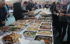 Bogato obložena miza za vse udeležnece