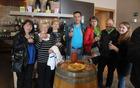 Pokušnja vin v vinski kleti