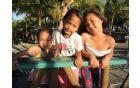 Otroci na obali