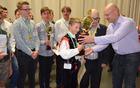 Absolutnemu zmagovalcu mednarodnega tekmovanja Alpe adria 2016 je nagrado podelil gospod Robert Slak, sin legendarnega Lojzeta Slaka.
