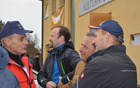 Rajko Meserko v družbi z županoma Litije in Trebnjega ter vodje Levstikove poti