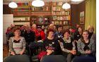 Jožica Gamse, dr. med., spec. psihiatrije, in udeleženci predavanja. (Foto: Saša Urih.)