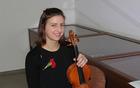 Violinistka Mateja Ulaga