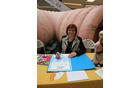 Sonja Punčuh, nova ambasadorka Programa Svit na Celjskem, ob podpisu zaveze v tednu boja proti raku. Celje, 7. marca 2017.