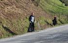 Delo ob magistralni cesti je terjalo veliko previdnosti.