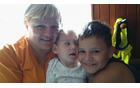 Mark z mamico Renato in bratcem Juretom