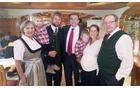 Župan Matej Kotnik z družino nekdanjega župana Občine St. Lambrecht, gospoda Pirer.
