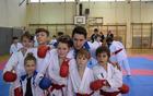 Trener Jernej Blatnik z tekmovalci v športnih borbah