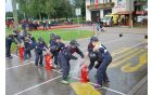 Pionirke pri vaji z vedrovko na regijskem tekmovanju v Polju pri Vodicah [foto: Klemen Zibelnik]
