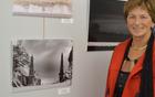 """Binca Lomšek ob svoji fotografiji """"Prehod"""" nagrajeni s certifikatom kakovosti"""