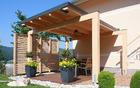 Potem: Zasebna in prijetna terasa dostopna z vrta ali dnevne sobe.