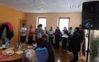 Presenečenje dneva; nastop ženskega pevskega zbora KUD Oplotnica.