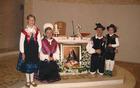 Ob oltarni mizi v karmelu v Mariji Bistrici ob relikvijah in sliki Terezije Avilske