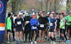 Priprave tekačic in tekačev na startu za 10 km dolgo traso, 3. tek Občine Mengeš, 5. november 2016