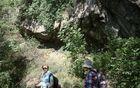 Pod prevalom Trešnik se v pobočju razkriva  skalovje tektonskega nariva