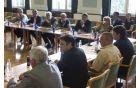 Župani so na srečanju izpostavili tudi negotovost, ki vlada v občinah zaradi napovedanega združevanja in drugačnega financiranja občin.(foto: Miha Fras)