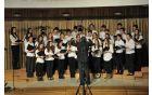 Šolski pevski zbor na reviji