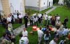 Druženje nastopajočih dekanijskega srečanja cerkvenih pevskih zborov v Novi Cerkvi