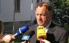 Župana so oblegali po podpisu  pogodbe novinarji