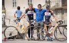 Boris Meze (levo), Gašper Cafuta (na sredini) in Uroš Šemrov na cilju letošnje Dirke okoli Slovenije.