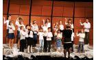 Otroški pevski zbor na koncertu Dve šoli. Foto: OŠ Deskle