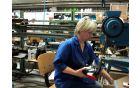 Delavka v Alpini, tovarni obutve Žiri