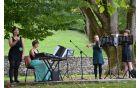 Vokalno-instrumentalni kvartet Fčelice je postregel s šopkom ljudskih.