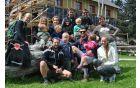Skupinska fotografija s klubskega pohoda na Menino