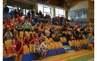 Obiskovalci na tribuni so prišli spodbujati svoje tekmovalke.