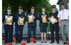Župan je predsednikom oziroma predstavnikom občinskih gasilskih društev izročil defibrilatorje.