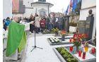 Blagoslov obeležja je opravil domači župnik Andrej Sever.