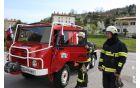 Novo vozilo za gašenje požarov lahko pripelje tudi do najmanj dostopnih terenov.  Foto: Toni Dugorepec