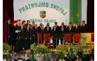 Leta 1996 je zbor za delovanje prejel tudi bronasti vojniški grb.