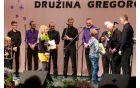 Gregorčevi najmlajši se odra navajajo, tokrat s čestitkami.