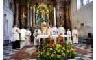 Veselje se povečuje, če ga delimo - domača duhovnika z gosti