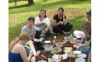 Piknik pred Jurjevo domačijo