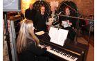 Trio ob spremljavi pianistke