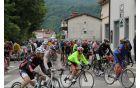 Kolesarji so v spremstvu nadaljevali pot proti Italiji. Foto: Nataša Hvala Ivančič