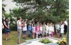 Otroci so popestrili program ob prazniku KS Nova cerkev.