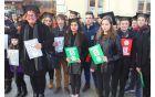 Maturante so predstavljali učenci 9. a-razreda Osnovne šole Vojnik, spremlja jih Milena Jurgec.