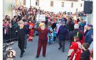 Angela Merkel in Miro Cerar v preobleki Društva Dobra volja iz Pristave