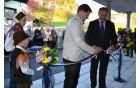 S prerezom traku sta župan in predstavnik KS Polhov Gradec slovesno odprla objekt.