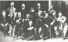 Wagnerjevi študenti, 1897. Fabiani stoji prvi z desne, pred njim sedi - drugi z desne, Plečnik. Vir: Marko Pozzetto
